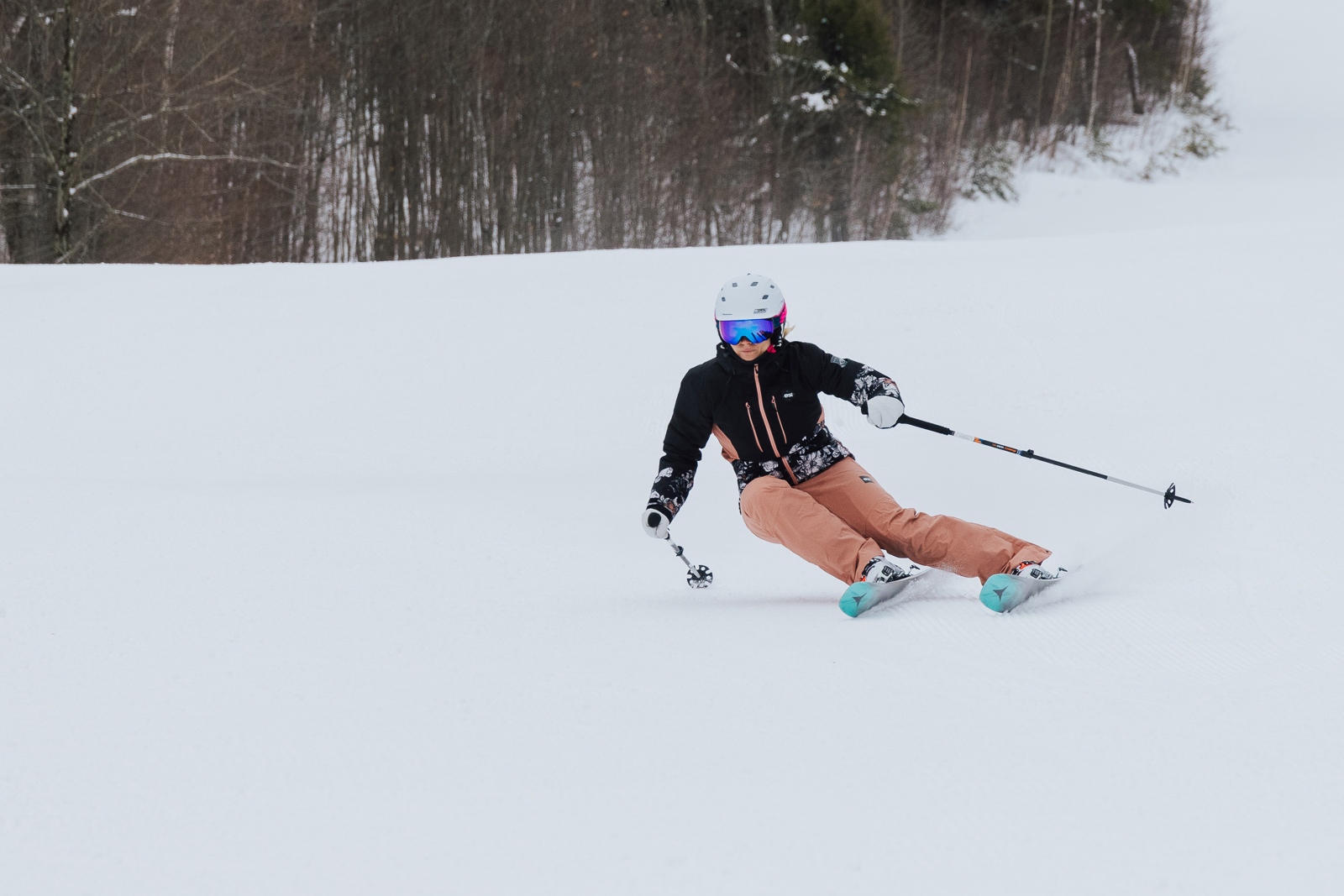 what to wear skiing insulated pants