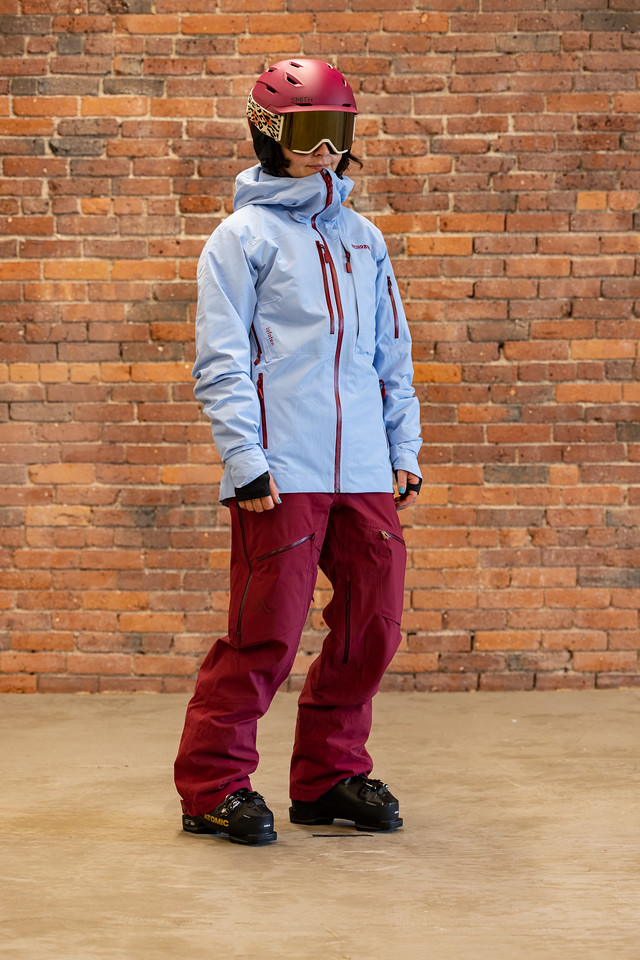 How Should My Ski Jacket Fit