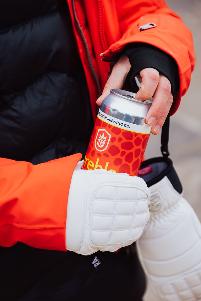 what to wear skiing mittens